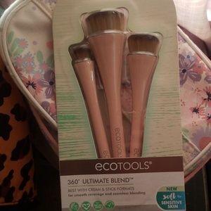 Eco tools blending foundation brushes